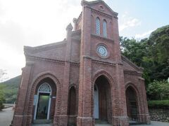 最初に訪れたのは同崎教会。中は資料館になっていました。せっかくなので入場料を支払い、中を見学させていただきました。今回の旅で、教会の中に入れたのはここだけでした。