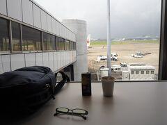 ANA特典航空券9000マイル(ハイシーズン)で予約した、 スターフライヤー(SFJ/7G)に初搭乗です  まずは第一ターミナルパワーラウンジでゆっくりします