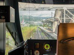 谷峨~駿河小山間で県境を越え、静岡にIN  駿河小山駅を通過。  ふじさん号は駿河小山駅に一部停車します。