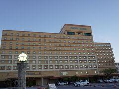 明日、石垣に移動するので空港近くのホテルにしました。 タクシーでも1500円ほど。 本当なら早朝の石垣便でしたが、急いでいく必要がなくなったので昼の便に代えさせてもらいました。