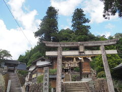 車を50分ほど走らせて、雲南市にある須我神社にやってきました。 古事記に記される日本で最初の御宮です。和歌発祥の地としても有名ですね。
