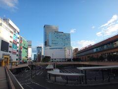 おはようございます。8月11日。AM5:55仙台駅。 僅か1日だけの私の今年のお盆休み(まだお盆にすら入っていないが 笑)  今日は6時発の東北線始発電車に乗らなければならないのでタイトです。地下鉄の始発に乗っても仙台駅の乗り換え時間が12分しかありません。 でも、遠回りしてでもこの写真を撮らなければなりません(笑)