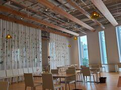富山ガラス美術館併設のカフェ。 お店の雰囲気も素敵♪