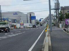 TV番組やCMで見て行って見たかったベタ踏み坂の江島大橋。兵庫県、岡山県と通って来て鳥取県からこの県境の橋を渡って島根県に着きました。