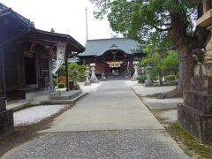 私が持って行ったガイドブックには載ってなかったけど寄って見た宇美神社。
