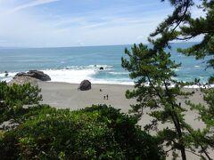 私の中では高知と言えば桂浜かな?今日は快晴で海も綺麗。