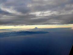 夕暮れ富士山。 ちょっと遠いな~