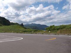 7時半に、Y様が小樽に迎えに来てくださいました。 一路、車で積丹半島へ。  8時45分神威岬に到着。