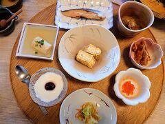 朝食の時間になりました(^^)  食べ疲れてきたから、これくらいの量&アッサリ系の方が良いですね(*´∀`*)