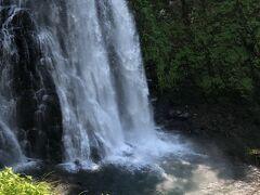 滝壺も美しい~  乗鞍での滝鑑賞、大自然の中に程よく変化に飛んだ滝姿と満々とした水量に大いに満足させてもらいました。