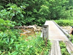 鳩待峠~山ノ鼻(3.3km)  08月11日(水)  10:38  川上川橋を渡るとすぐに