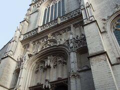 聖パウルス教会  13世紀にドミニコ会修道院の教会として建築が開始されたのですが、何度も火災にみまわれ、1968年の大火災では建物の多くが消失してしまったという教会です。