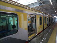 横浜まで行く東急電車が飯能駅に停まっていた。
