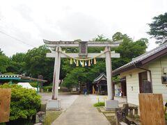 この日最初に花手水を見に行ったのは「前玉神社(さきたまじんじゃ)」