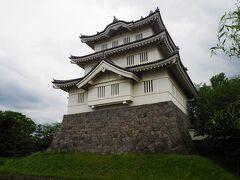 今回花手水が置かれてたのは忍城の櫓と一緒に撮れる場所じゃなく