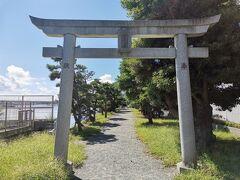 琵琶島神社って書いてあります。