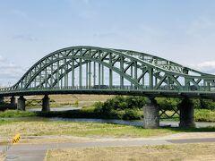 旭川のシンボル、旭橋。
