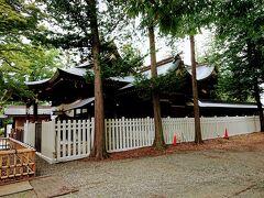 水路沿いを進むと、象山神社に到着です。 佐久間象山を奉った神社です。 東口から入りました。