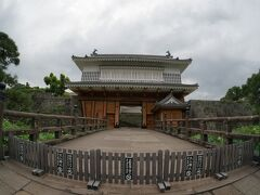 鶴丸城の御楼門(復刻)
