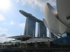 3日目   12月28日(土) AM:ダックツアー   ■ダックツアーで海からの観光  コンパクトな都市であるシンガポール、主要な観光施設についてはこれまでに一通り巡って観ています。今回のダックツアーについては、これまで子供相手のものと遠目に見ていましたが、初めて参加することで感じることがありました。