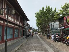 南翔古鎮の入り口。七宝同様、地域に根ざした古鎮であり、街中に溶け込んでいる。入場料は不要。