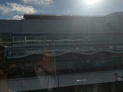 今回の函館旅のはじまりは、羽田空港! エアドゥとANAのコードシェア便だったので、第2ターミナルへ!