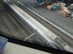 モノレールの空港快速に乗って、羽田まで一直線。