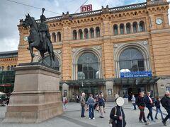9:57ー遅延なしでハノーファー駅に到着。ドイツ新幹線の長距離線で遅延なしは奇跡的。