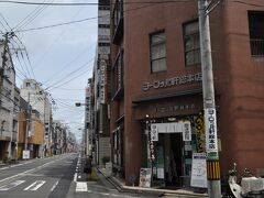 そこから少し歩いたところにソースカツ丼で有名なヨーロッパ軒総本店があります。