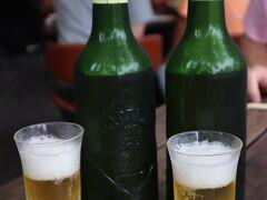 旧軽井沢銀座の観光会館で下車して、川上庵で昼飲み。 川上庵は少し列がありましたが、回転が速いのですぐに店内テラス席へ。  川上庵のお楽しみはハートランドビール。