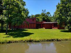 ウィリアム・メレル・ヴォーリズの設計した睡鳩荘とともに見たかった建物がこちらのペイネ美術館。