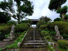 近くに水月寺。