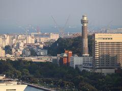横浜マリンタワーは改修工事で全館一時休館中。 営業再開は2022年4月以降の予定。