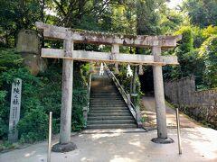 出雲縁結び空港に到着しレンタカーを借りて、最初に訪れたのが玉造温泉の一番奥にある玉造湯神社