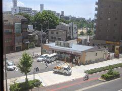 大阪港手前から地上を走ります。
