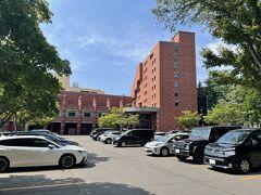今回のお宿は「森のスパリゾート 北海道ホテル」 (この写真はチェックアウト日のものです。)