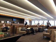 福岡空港のANA SUITE LOUNGE到着