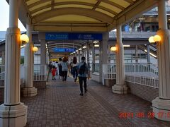 日没近づく18時前のゆりかもめ台場駅からスタートします。