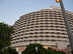 ヒルトン東京お台場 https://www.hiltonodaiba.jp/ は公園前に建ってるので宿泊や利用すればここから眺められますけど、支払う代償が大きすぎ (^▽^;)