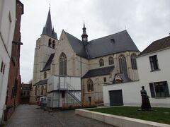 多分これが聖ヤン教会  教会は遠くから見ただけで・・・