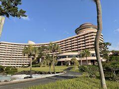 最終日の朝は良い天気です。ホテルの周りを散歩しました。