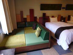 JRバスで石ヶ戸で降車。車で今夜のお宿、星野リゾート奥入瀬ホテルに行きました。