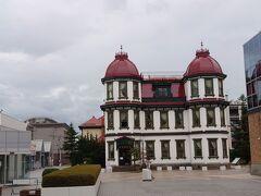 駐車した観光案内所に戻ってきました。 ふと見ると旧市立図書館が見えました。 大正浪漫ですねぇ。