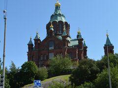 港から歩いてウスペンスキー寺院へ。 なかなかの坂道です。