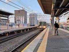 223系だが普通(高槻から快速)姫路行きに乗車する。