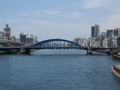 隅田川にかかる数々の橋、いいなぁ。 今度はお台場と浅草を結ぶリバークルーズに乗ろう。
