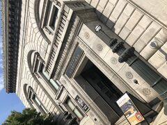 そして旧三井銀行小樽支店へ。昭和2年(1927)年に竣工。重厚な石積み。