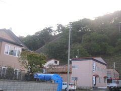 おはようございます。  厚岸の旅館でむカエルた朝です。  朝食前に朝散歩に出かけましょう。