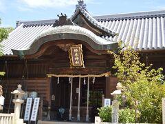 すぐ近くの柿本神社にお参りしました。祭神は歌聖・柿本人麻呂で、学問・文芸・安産などにご利益あります。国語・古文が苦手だった息子達の為にもう少し早くお参りすれば良かったかな~