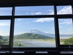 帰路につき 途中、東名高速 富士川SAで休憩